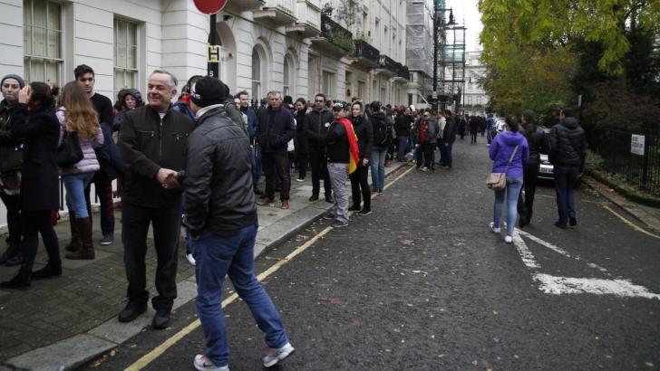 Românii au stat la cozi uriaşe pentru a vota la Londra. Sursa: Adriana Neagoe/Inquamphotos