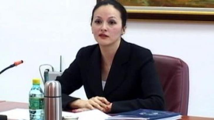 Băsescu a semnat decretul de eliberare din funcţia de şef al DIICOT a Alinei Bica