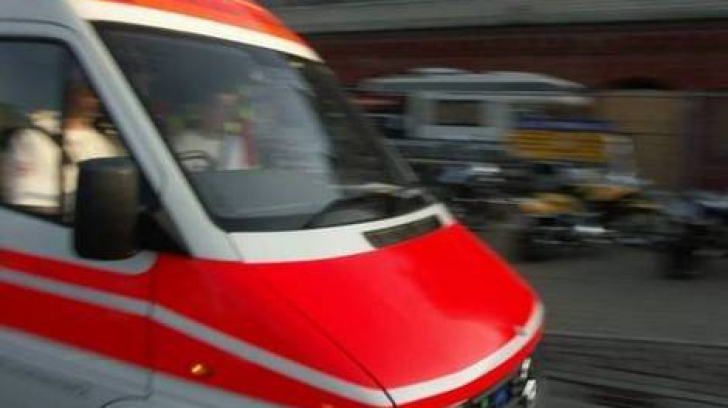 CAZ CUTREMURĂTOR în București: O mămică de 25 de ani s-a aruncat de la etajul 9, după NAȘTERE