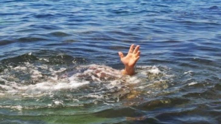 Un preot a murit în fața credincioșilor după ce a încercat să meargă pe apă
