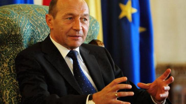 """Prima CARTE de analiză a deceniului TRAIAN BĂSESCU: un """"die hard"""" al tranziţiei"""