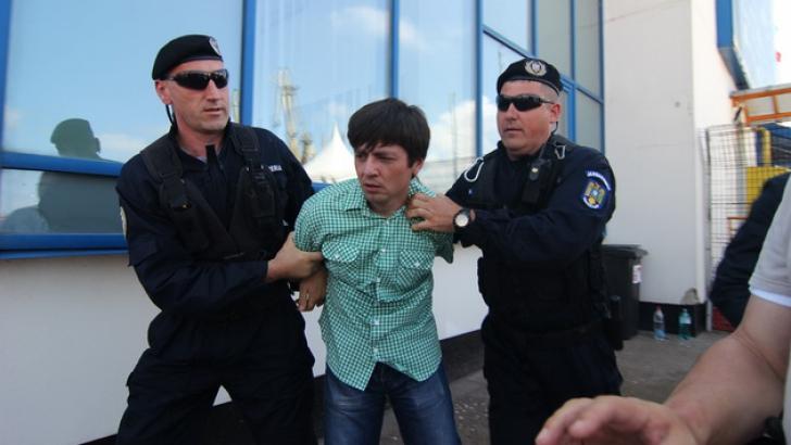 Bărbatul care l-a scuipat pe Traian Băsescu, trei luni de ÎNCHISOARE cu suspendare