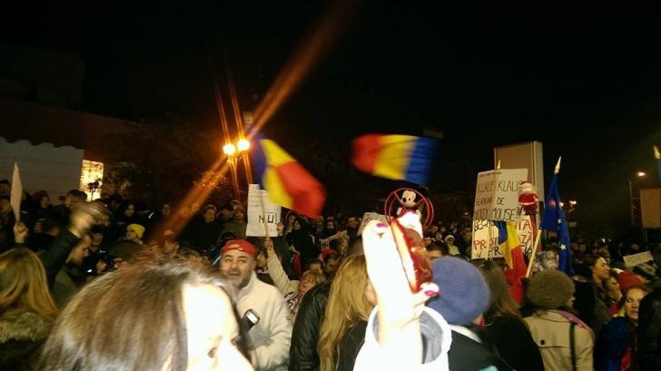 PROTESTE. Românii ies iar în stradă pentru VOT. Ce se anunţă începând cu ora 18:00 în Capitală