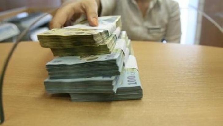La cine apelează românii dacă ar avea probleme financiare