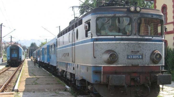 Poliţist de la Transporturi Feroviare Braşov, BĂTUT DE UN CĂLĂTOR într-un tren