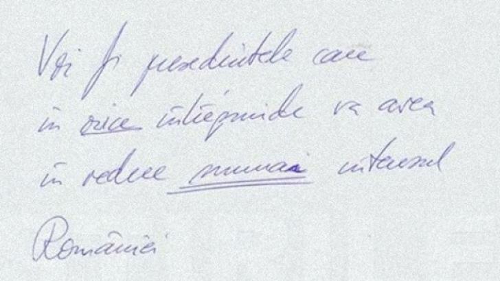 FOTO. Klaus Iohannis A LĂSAT pe o coală de hârtie, înainte de un interviu, O PROMISIUNE FAȚĂ DE ȚARĂ