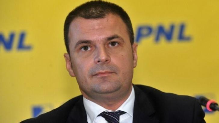 Deputatul Mircea Roșca, la ieșirea de la DNA: Totul este ridicol! Nu am făcut trafic de influență