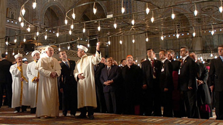 Papa Francisc s-a recules la Moscheea Albastră din Istanbul