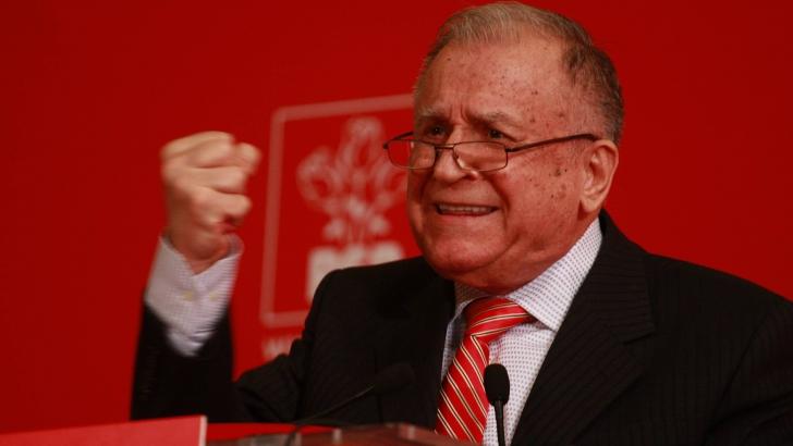Iliescu: Iohannis, om dotat cu calităţile necesare ca să înveţe, cum am învăţat cu toţii