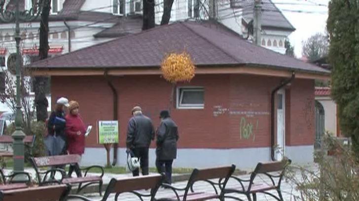 Toaletele publice modernizate din Bacău, nefuncţionale