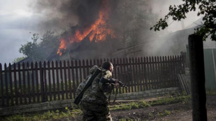 OSCE: Armata ucraineană şi rebelii din Lugansk au convenit să înceteze luptele începând de vineri