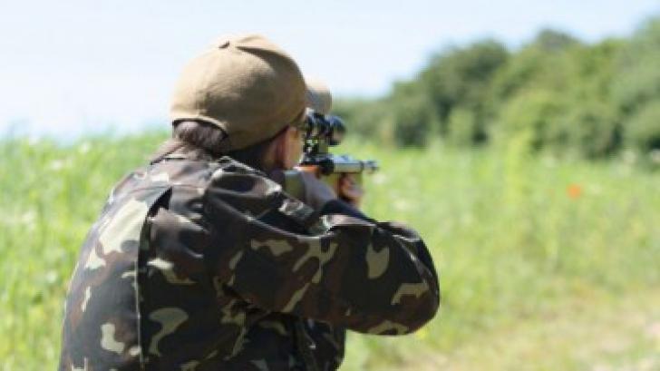 Zi de COŞMAR pentru un vânător din Brăila. Şi-a pierdut arma pe stradă. Ce a urmat