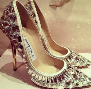 Bianca Drăguşanu şi pantofii Jimmy Choo
