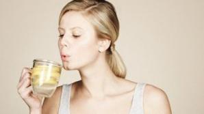 7 motive care te vor convinge să bei APĂ CALDĂ CU LĂMÂIE