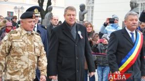 Klaus Iohannis, primit cu pâine și sare la manifestările de Ziua Națională / Foto: alba24.ro