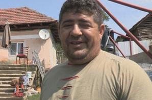 Românul care se laudă cu casa construită din ajutoare sociale