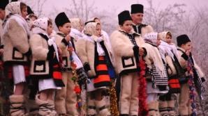 SĂRBĂTORI FERICITE! Obiceiuri și superstiții în seara de Ajun la români
