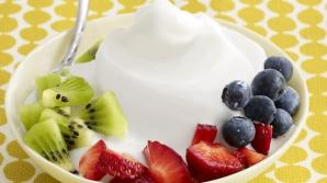 Reinventează micul dejun! 12 reţete delicioase cu iaurt