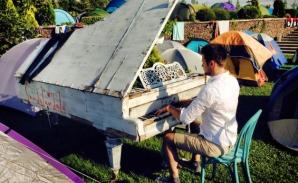 Valentin Astănculesei, cu pianul la Vama Veche