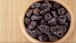Iată de ce trebuie să consumi prune când ţii o diete. Nici nu te gândeai că au acest efect