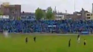 Scenă ŞOCANTĂ pe terenul de fotbal: Un jucător a fost lovit de TRĂSNET