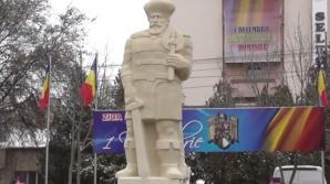 """Statuie BIZARĂ a lui Mihai Viteazu la Slobozia: """"Seamănă cu MOŞ CRĂCIUN"""""""
