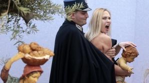 INCIDENT la Vatican: O activistă Femen a smuls statueta Pruncului Iisus și a încercat să fugă cu ea