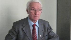 Cine este Octav Bjoza, prima persoană decorată de Klaus Iohannis