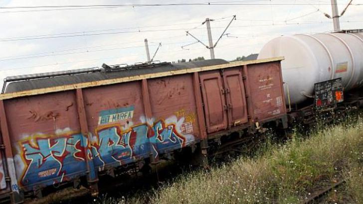 Vagoane de marfă, DERAIATE la Ploieşti. Trenurile de călători au ÎNTÂRZIERI