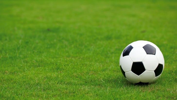 Un mare fotbalist român a murit după un infarct