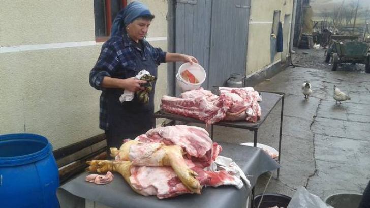 TRADIȚII BIZARE DE IGNAT: preoţii romani ghiceau viitorul în măruntaiele porcului