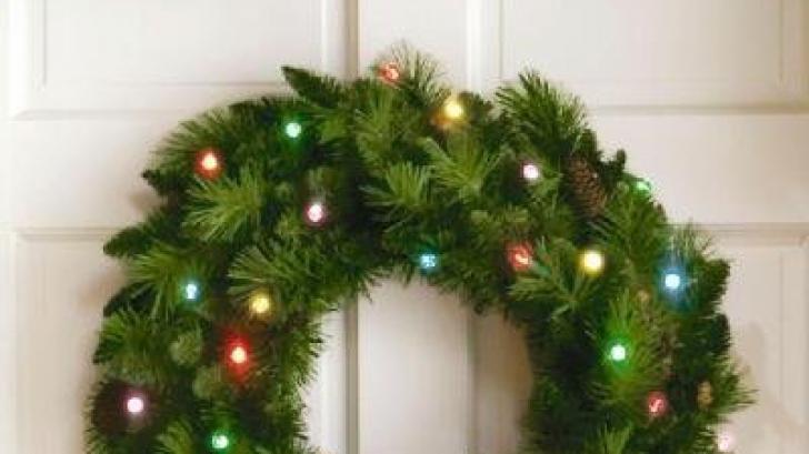 Cum să faci o coroniţă de Crăciun