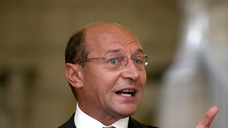 Traian Băsescu, prima fotografie de la botezul nepotului Radu