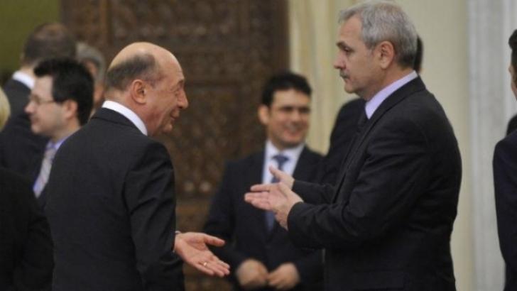 <p>Traian Băsescu şi Liviu Dragnea au plecat împreună de la recepţia de Ziua Naţională </p>