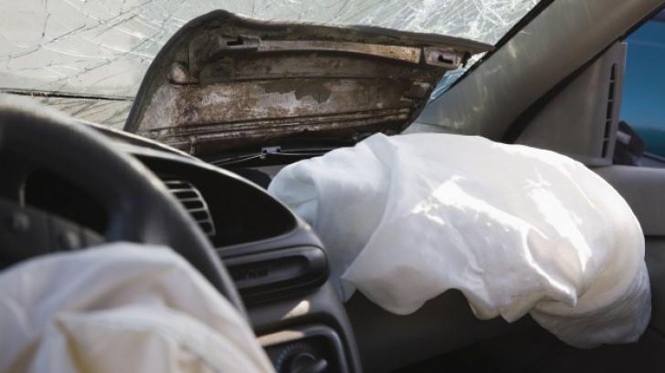 Airbag-ul TE POATE UCIDE: Ce maşini au fost rechemate în service în România