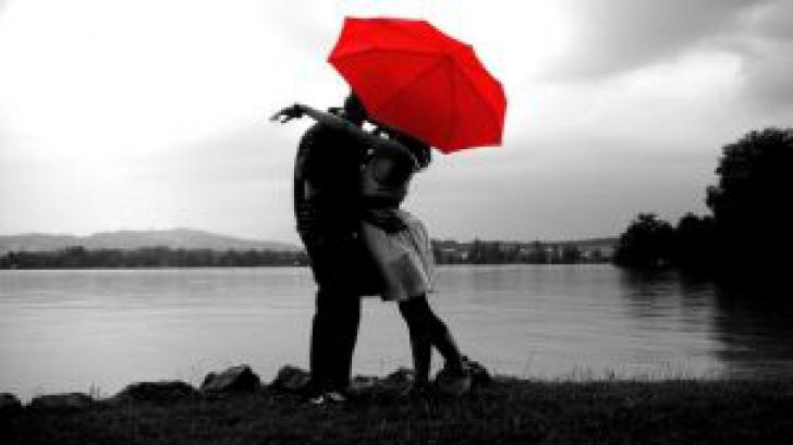 TESTUL care decide viitorul tău amoros în 2015! Află cât de puternică este relaţia ta de cuplu
