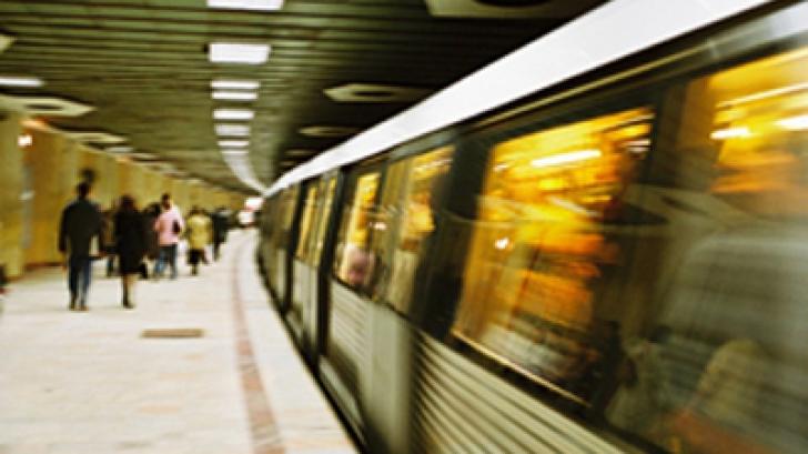REVELION 2015. Ce se întâmplă cu metroul şi cu autobuzele în noaptea dintre ani