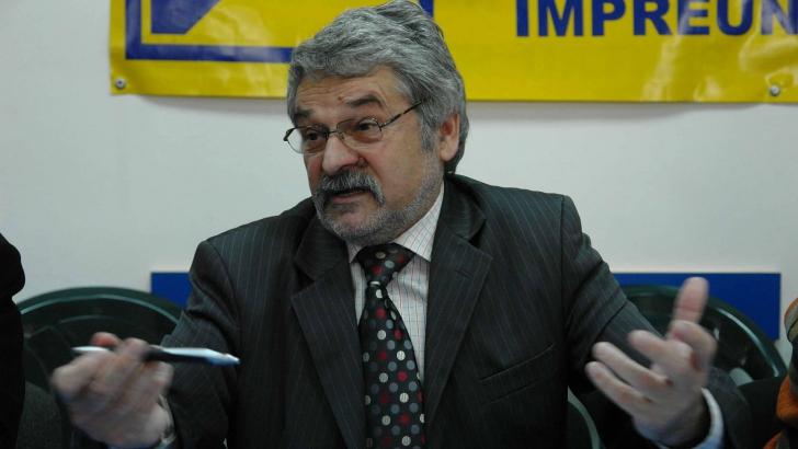 Șeful CJ Hunedoara, Mircea Moloț, reținut de DNA