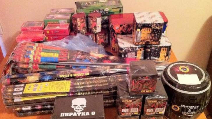 Constanţa: Peste o tonă de artificii şi petarde deţinute fără autorizaţie, confiscate de poliţişti