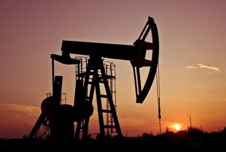 Taxe mai mari pentru domeniul petrolier?