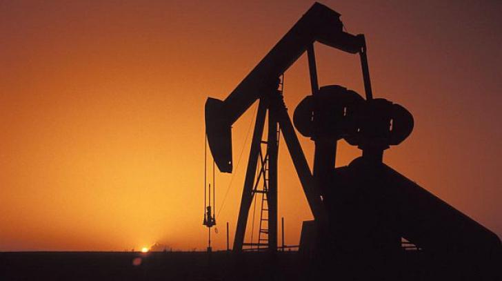 Fostul Guvern a negociat cu FMI un impozit suplimentar de 35% pe profiturile petroliștilor