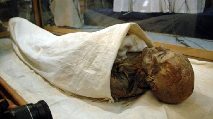 """BLESTEMUL MUMIEI! """"Prințesa de gheață"""" din Rusia, îngropată la loc, după ce a terorizat un sat"""