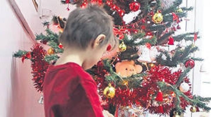 MOTIVUL INCREDIBIL pentru care un copil de 7 ani S-A ARUNCAT DE ETAJ