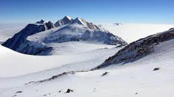 Cel mai înalt vârf din Antarctica, Vinson