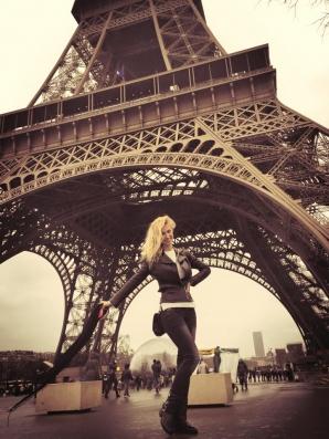 ANDREEA BĂLAN e la PARIS. GESTUL HALUCINANT făcut de vedetă