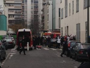 """ATAC ARMAT la sediul unui ziar din Paris: 10 persoane AU MURIT. """"E UN ADEVĂRAT MASACRU"""""""