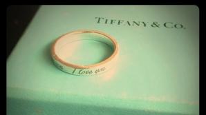 Tiffany's, reclamă cu un cuplu gay