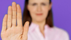 4 lucruri pe care le dezvăluie mâinile despre sănătatea ta