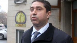 Fostul ministru Cristian David, reţinut pentru 24 de ore. DNA va cere arestarea sa preventivă