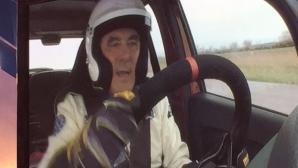 """Francois Fillon conduce un automobil Dacia Sandero în primul episod al ediţiei franceze """"Top Gear"""""""